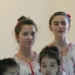România bolnavă cu capul: Copiii sunt considerați obiecte care creează noi locuri de muncă!